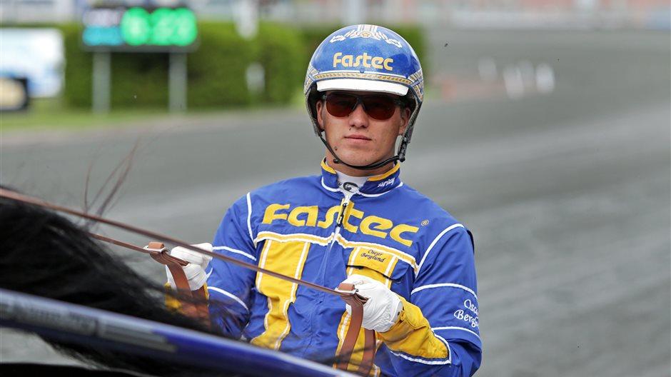 Oscar Berglund sulky.JPG (7)